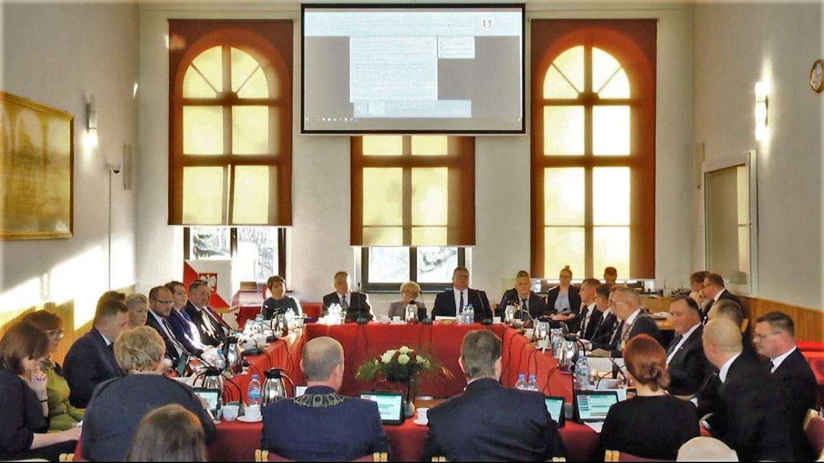I Sesja Rady Miejskiej w Brodnicy - wybrane fragmenty video