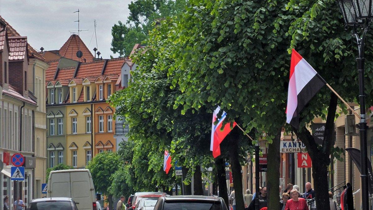 Flagi województwa w Brodnicy